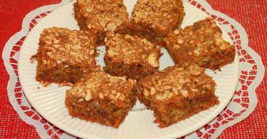 Orechovo cviklový koláč