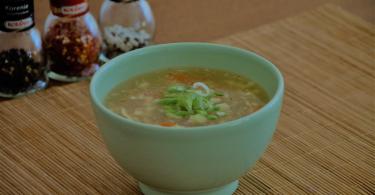 Bezlepková ostro-kyslá čínska polievka